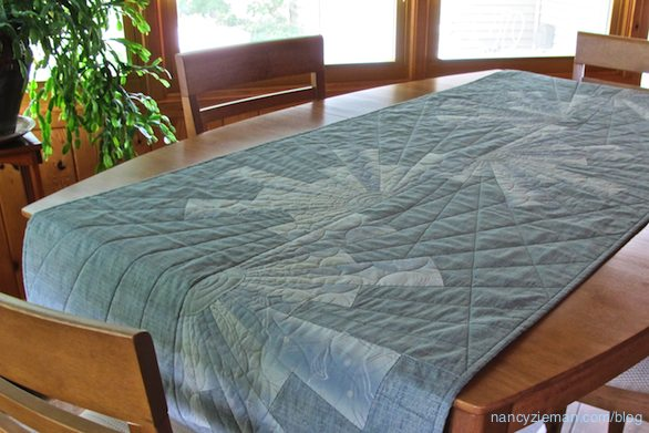 How to sew a table runner with a Dresden Plate designs. Dresden Melody by Nancy Zieman