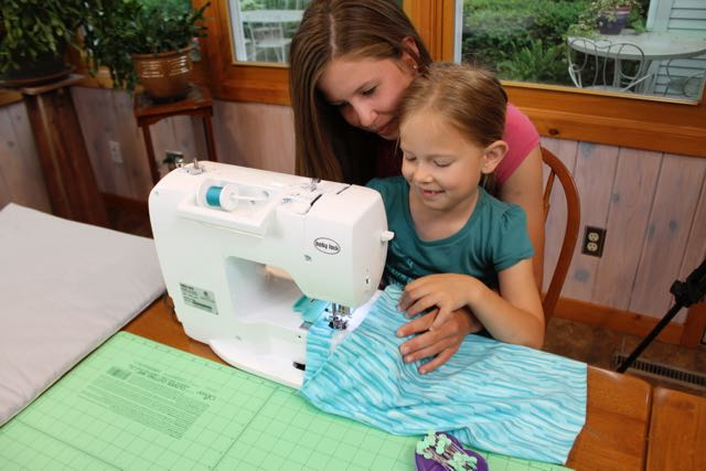 I Sew For Fun by Nancy Zieman Skirts for Girls and 18-inch Dolls