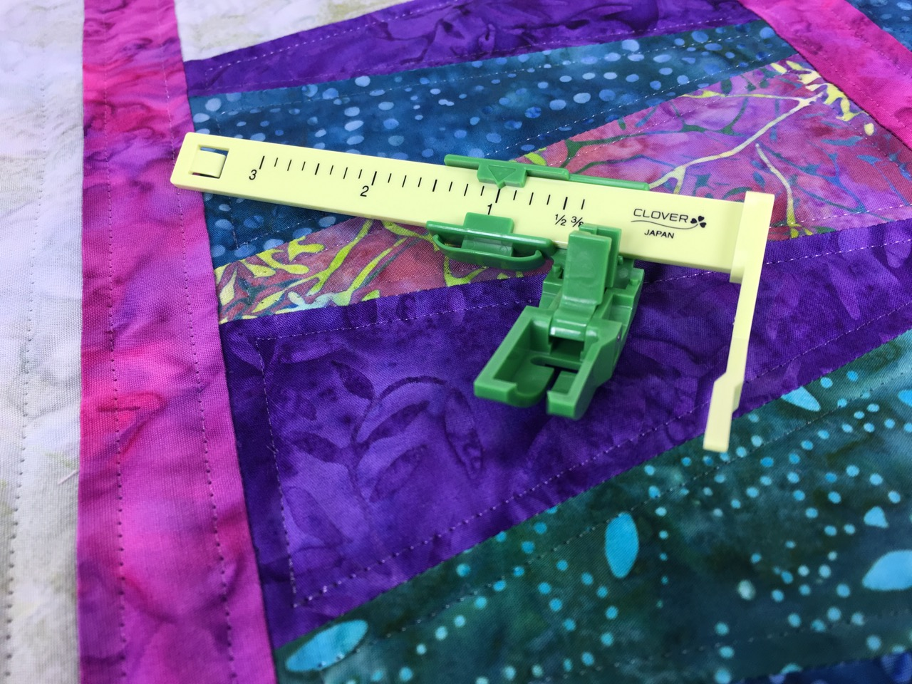 The Ultimate Quilt 'n Stitch Presser Foot by Nancy Zieman Productions, LLC for Clover