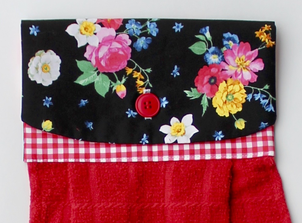 Stitch it! Sisters No-Hassle Kitchen Towel Topper Sewing Project S!S 106 by NZ Productions Towel on Stove