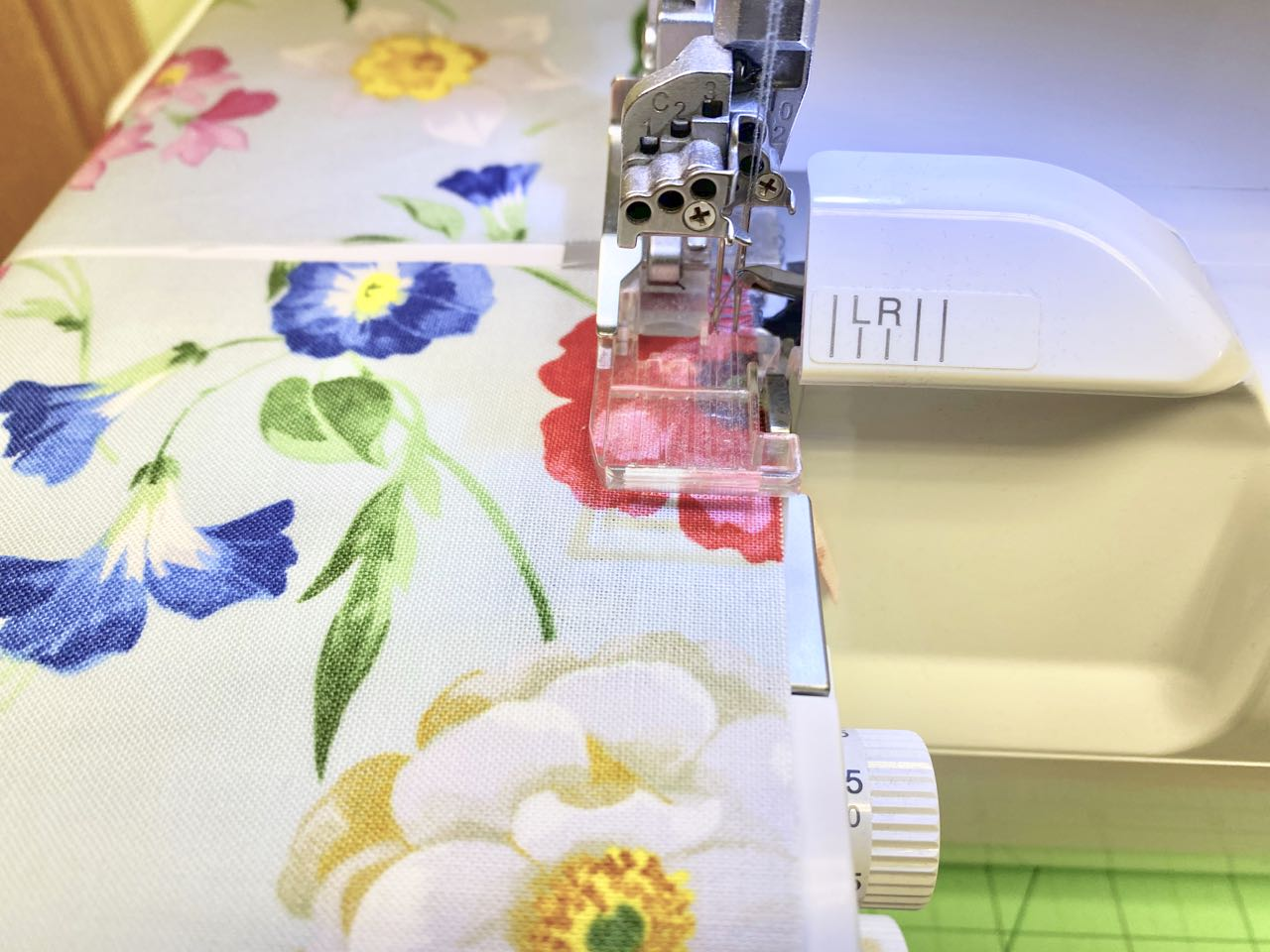NEW! Shopping Bag Holder Sewing Tutorial at the Nancy Zieman Productions Blog