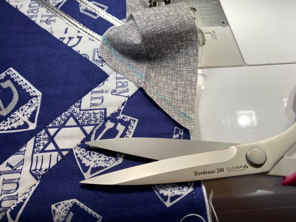 Festival of Lights Table Runner Sewing Tutorial at the Nancy Zieman Productions Blog IMG 4587