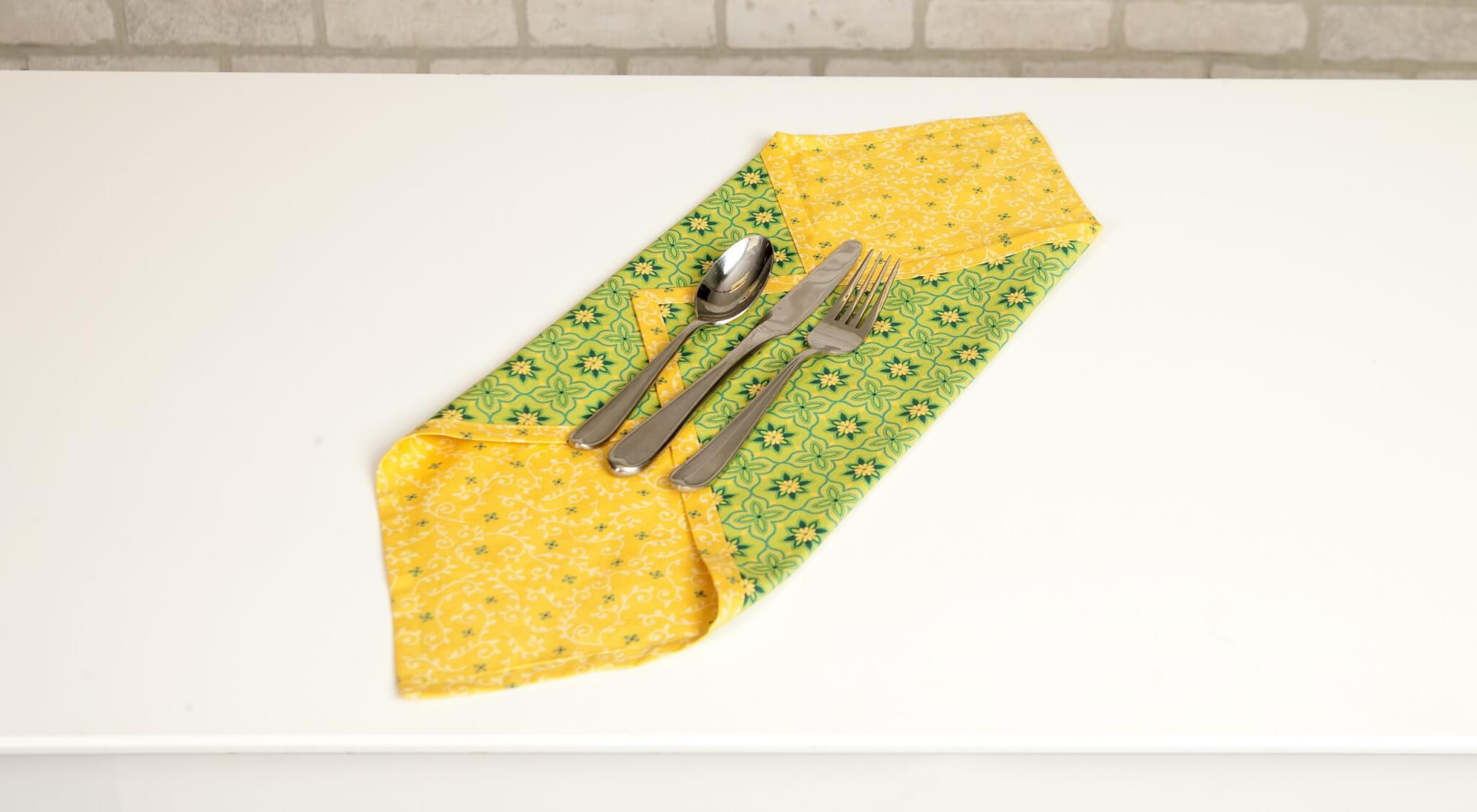 Green Wildflower Boutique No-Hassle Napkin and Table Topper Bundle Box available at Nancy Zieman Productions at ShopNZP.com