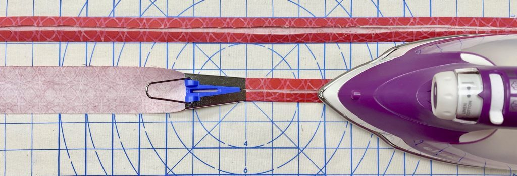 NEW! Stitch it! Sisters Colorblocked Shoulder Bag Sewing Tutorial at the Nancy Zieman Productios Blog