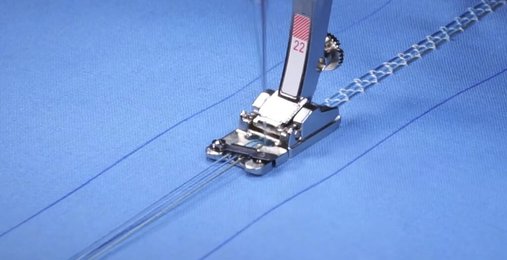 Stitch it! Sisters Program 214Decorative Stitches and Presser Feet